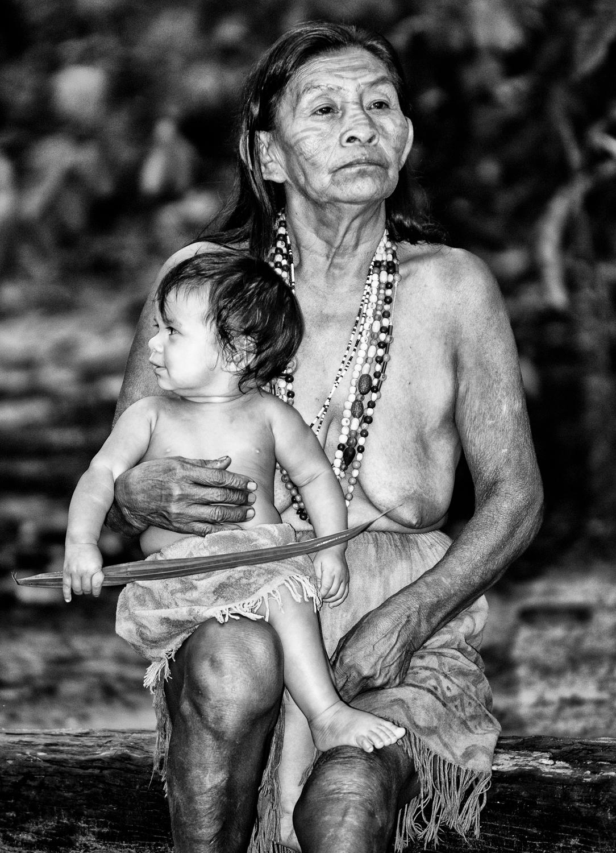 Grandmother and grandson   le yf5mja
