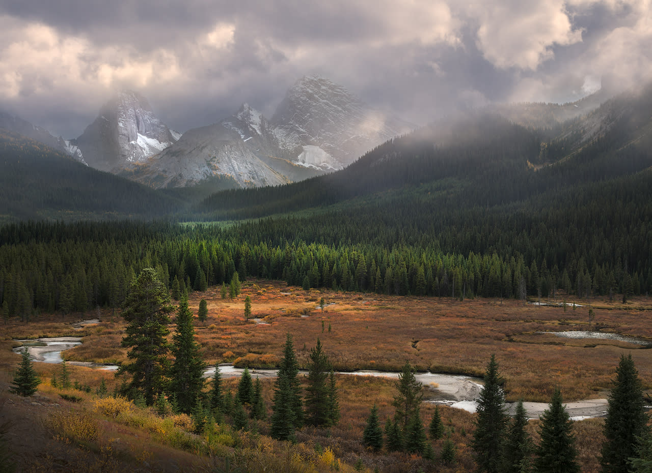Canadian rockies storm s a comin cuebfx