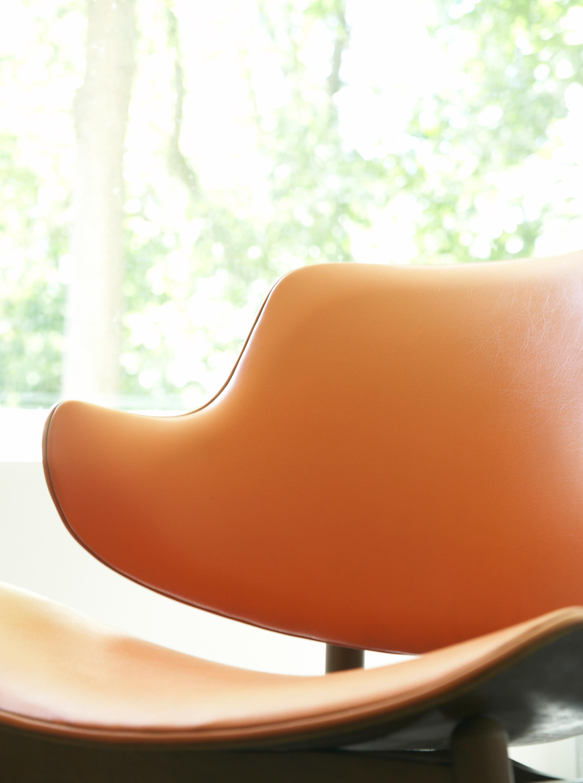 Orange chair ppblct