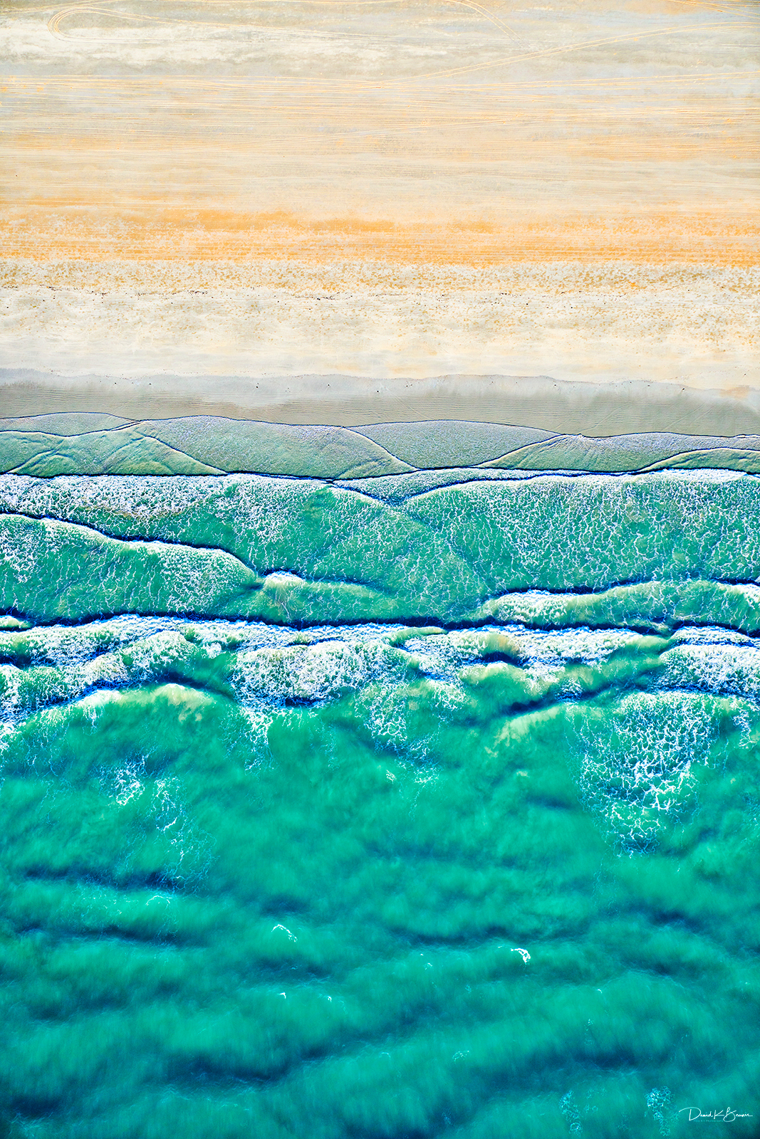 Sand and sea aiwwvk