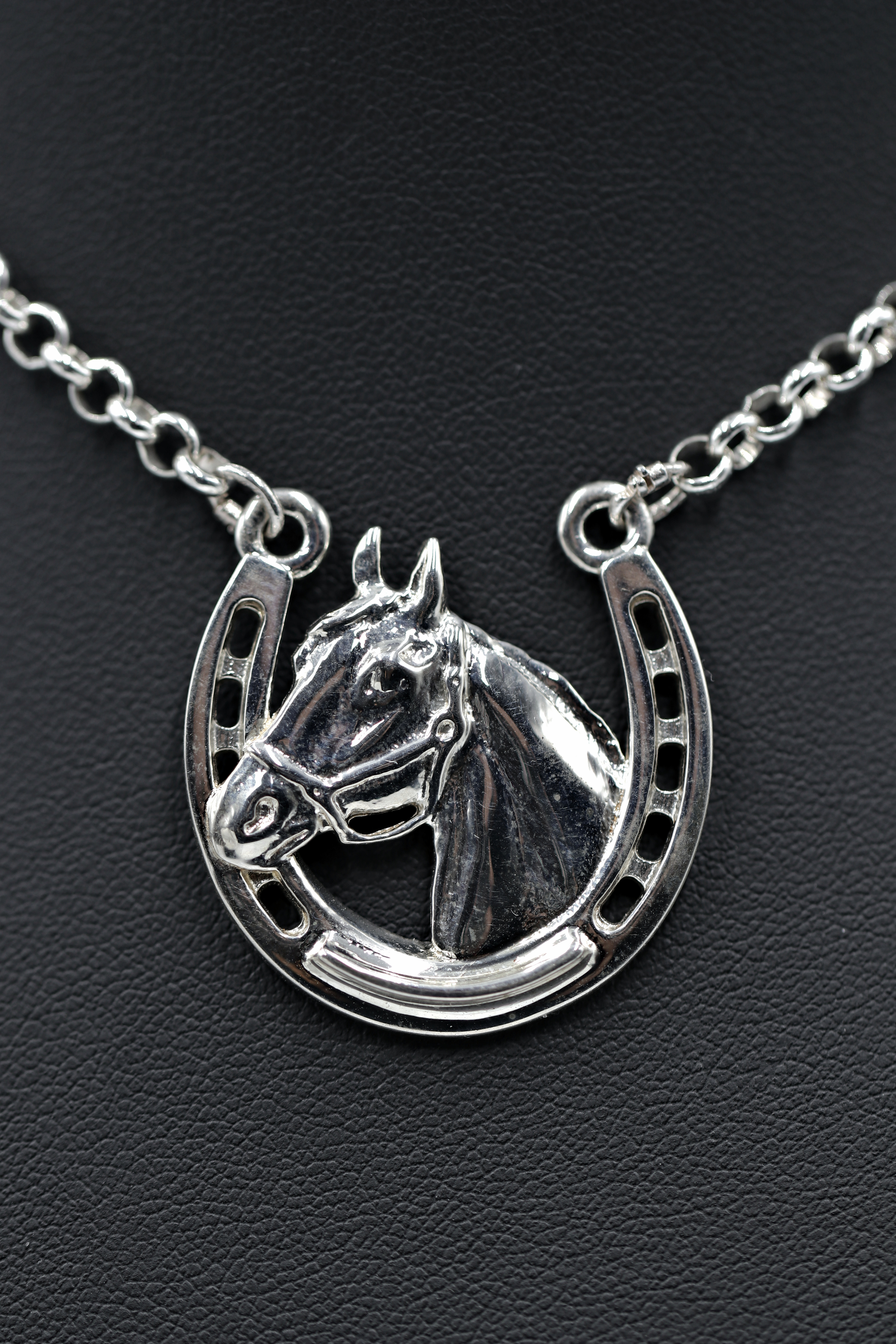 Stephen johnson sterling silver horsehead on horseshow high finish 150 incl chain lkooez