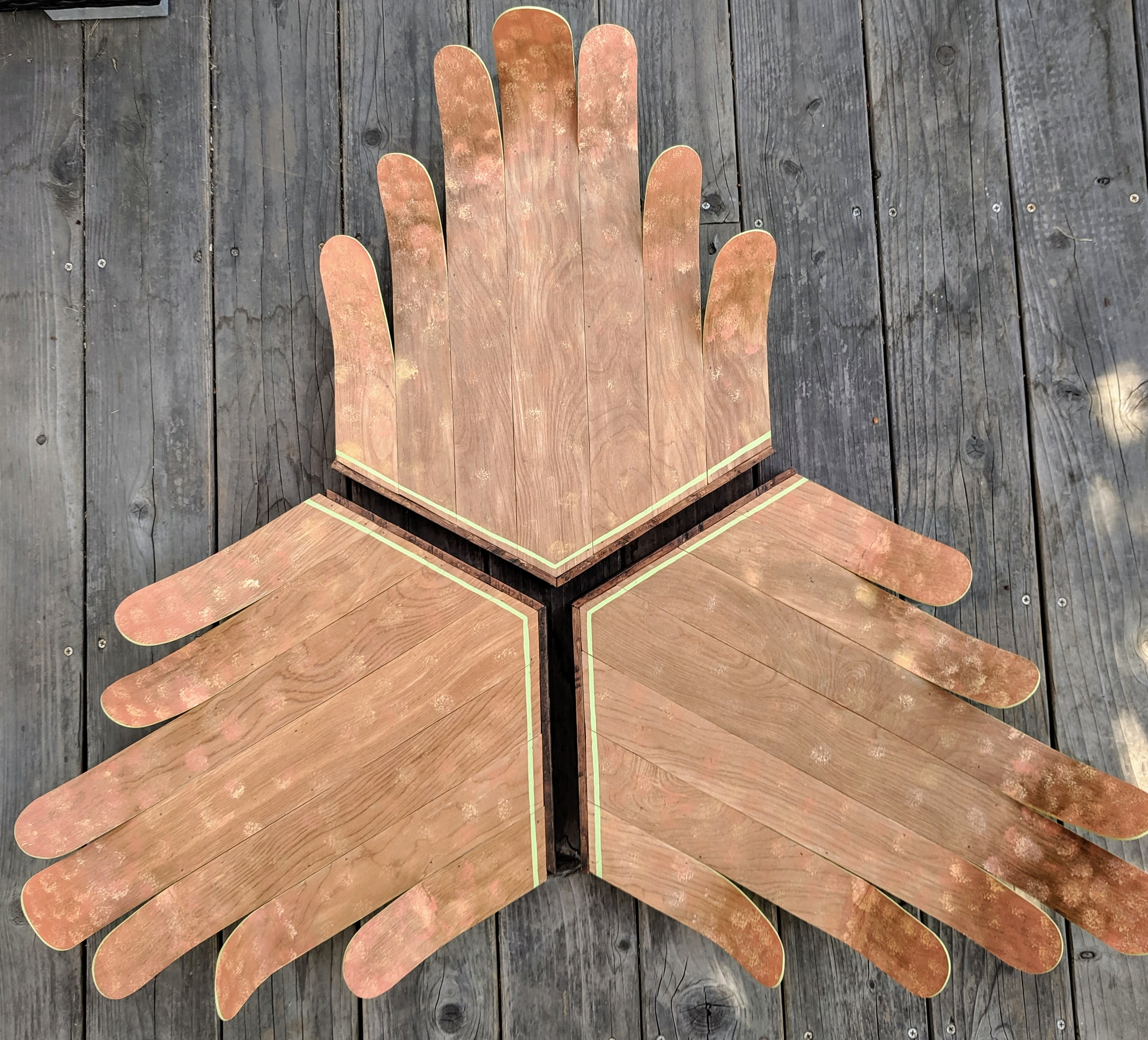 Curved tri hands pluepw
