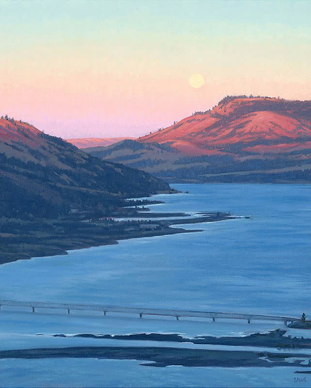 Blue moon over the columbia luszif