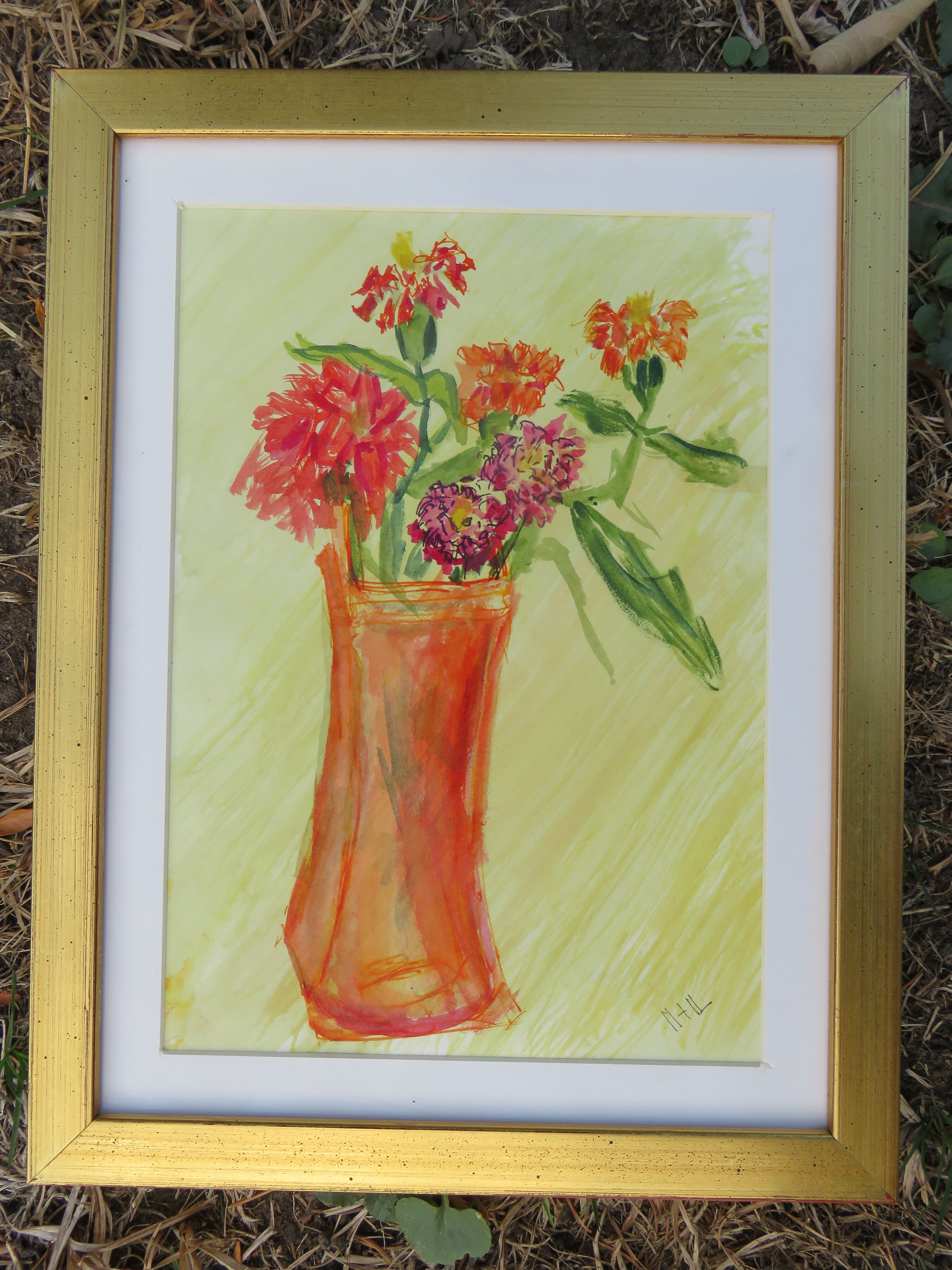 Red vase red flowers ibl9ua