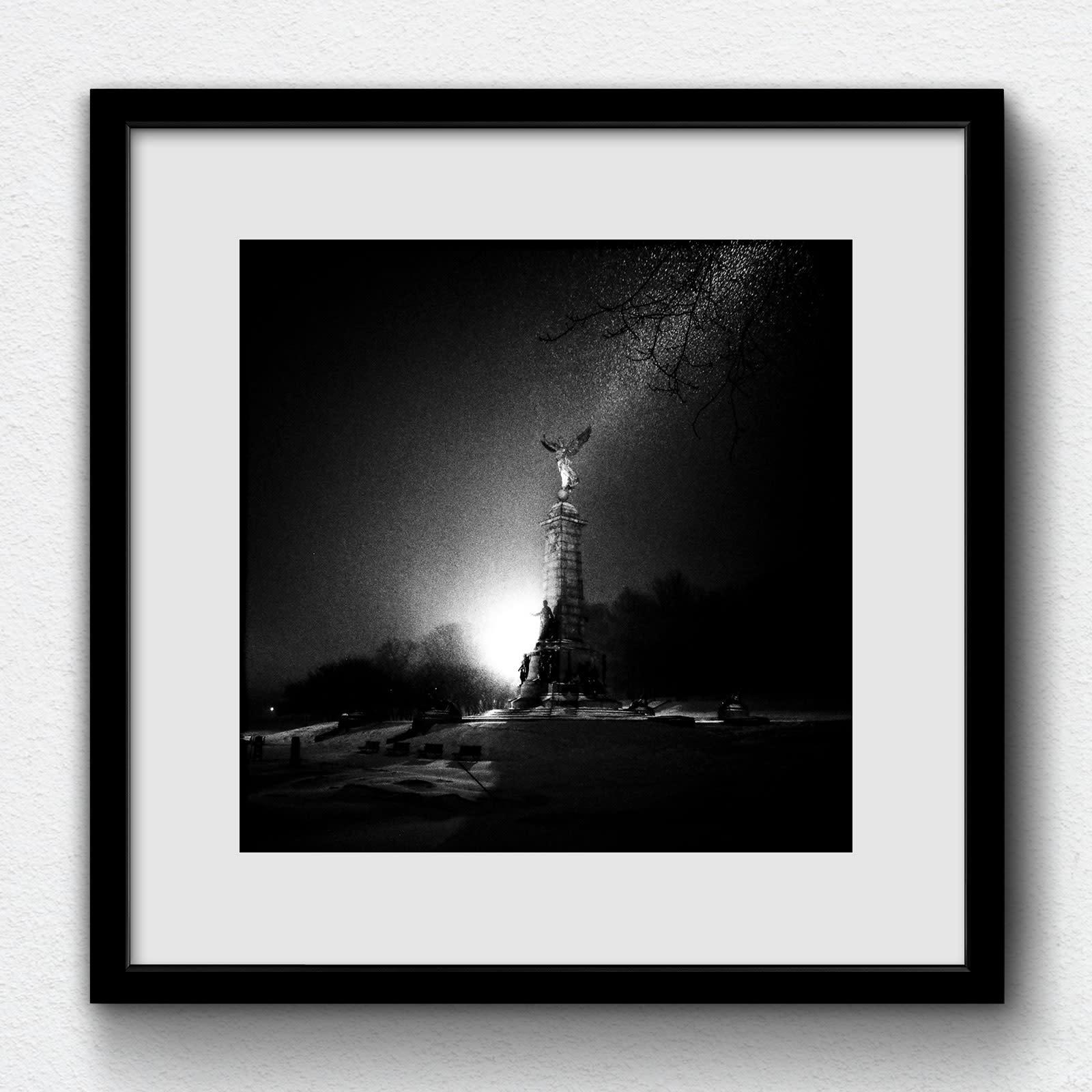 180113 gr017000 frame on white rdeyqg