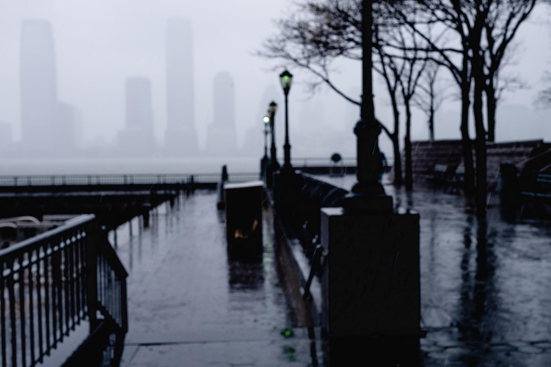 Aliens in the fog ii l1007653 i5bw84