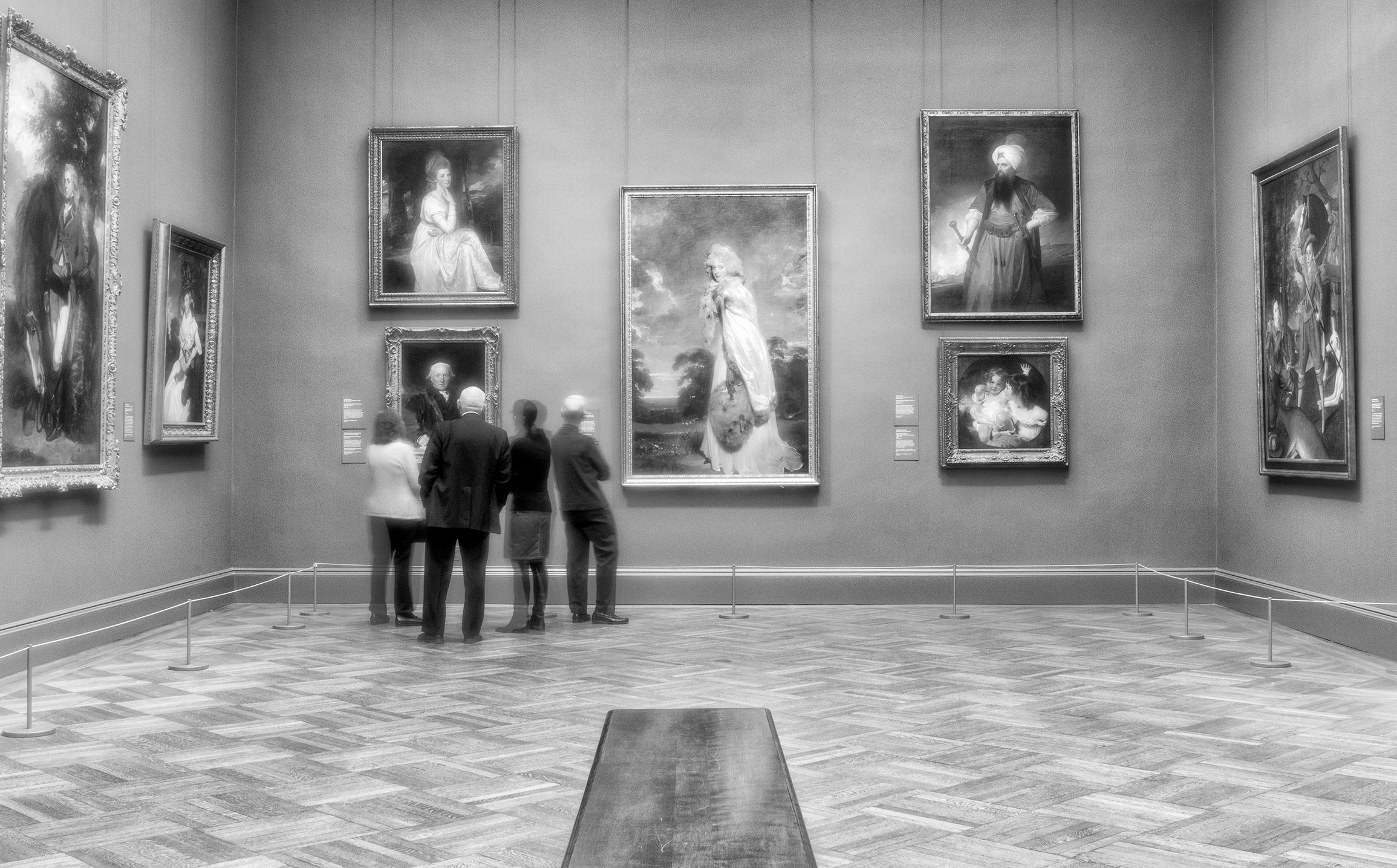 Museumgoers mat zxzqwc